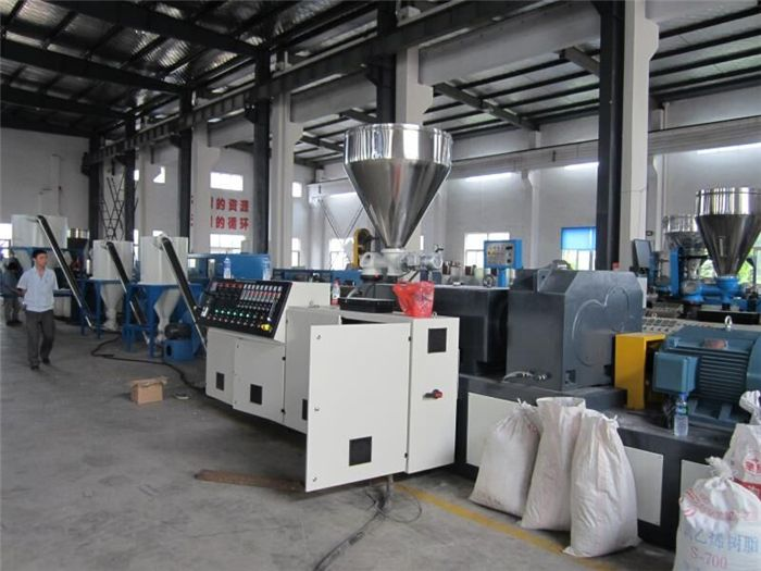 PVC Conical Twin Screw Extruder/Double Screw Extruder for PVC Plastic Profile Sheets Pipe Extrusion Line